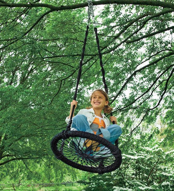 round and round swing is a cute and creative idea