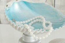 19 create your own mermaid inspired jewelry bowls with some treasures of old knobs and shells