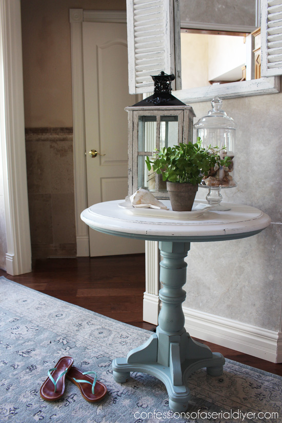 DIY coastal whitewashed and blue pedestal table (via www.confessionsofaserialdiyer.com)