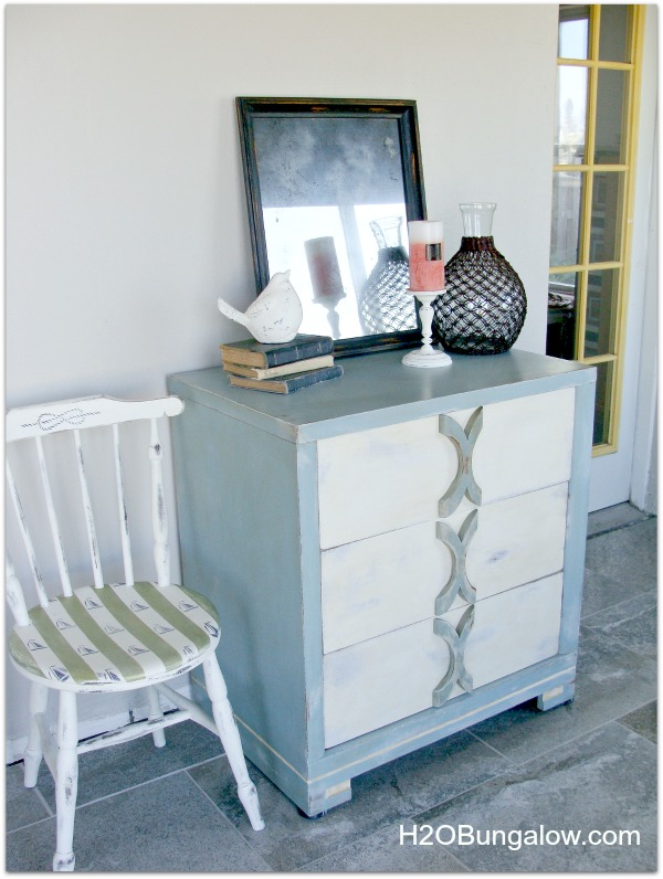 DIY coastal cottage dresser  (via h2obungalow.com)