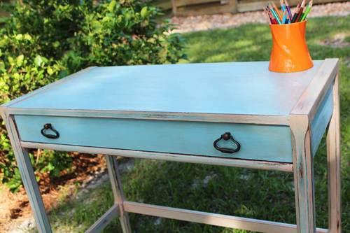 DIY watered blue desk (via beachbumlivin.com)