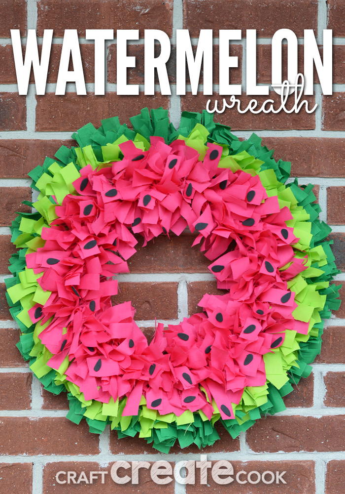 DIY knotted watermelon wreath (via www.craftcreatecook.com)