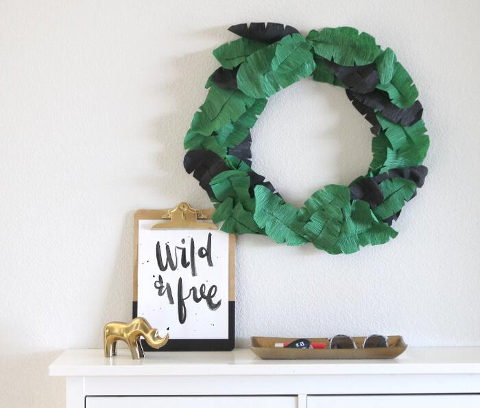 DIY banana leaf of crepe paper
