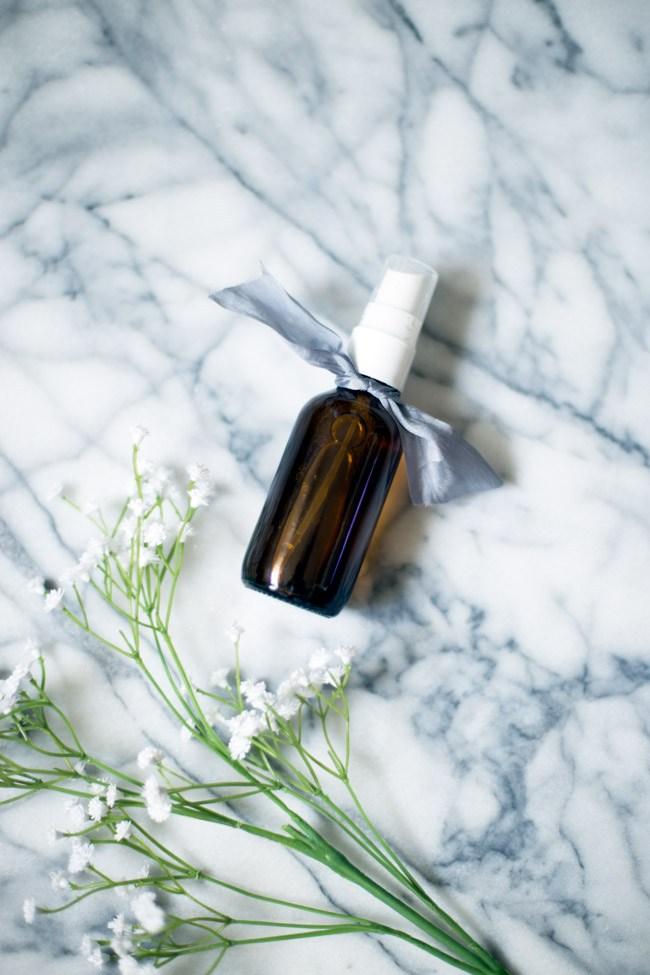 DIY yoga mat spray with essential oils (via www.thebalancedberry.com)