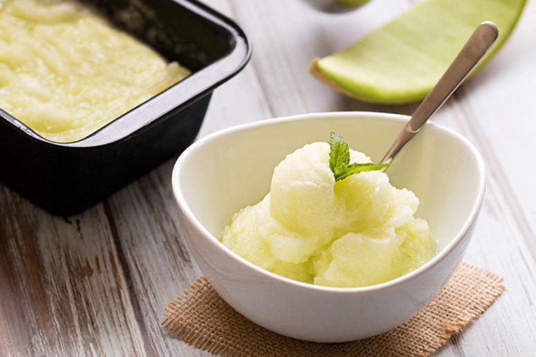 DIY melon lime sorbet (via thehealthytart.com)