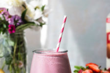 DIY strawberry pink peppercorn smoothie