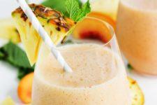 DIY pineapple peach mint smoothie