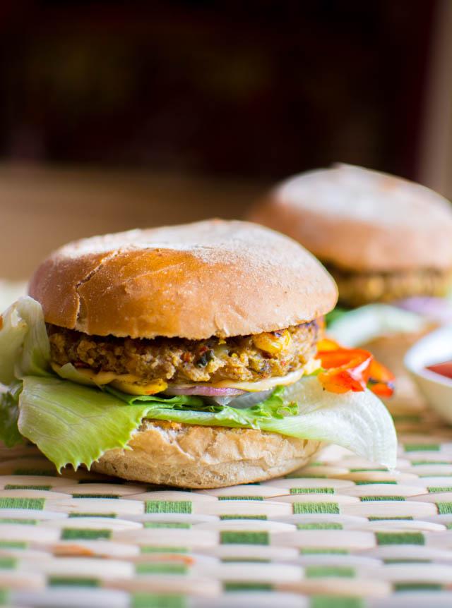 DIY veggie burger (via www.wheniate.com)