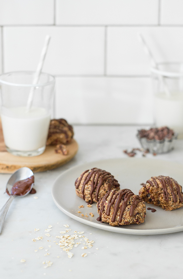 DIY gluten and dairy free cookies (via brighteyedbaker.com)