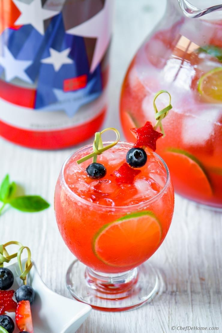 DIY spiked vodka strawberry agua fresca (via www.chefdehome.com)
