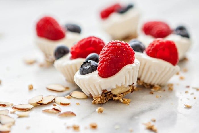 DIY fresh berries and almond frozen yogurt bites (via www.goodlifeeats.com)