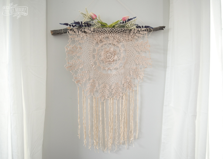 DIY Boho Wall Art From A Doily (via Thediymommy.com)