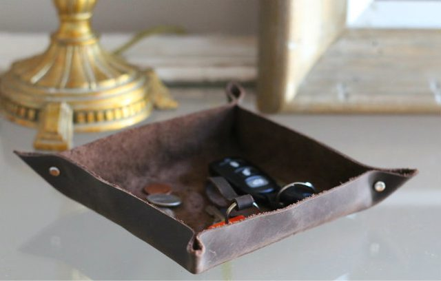 DIY leather catch all tray (via www.ehow.com)