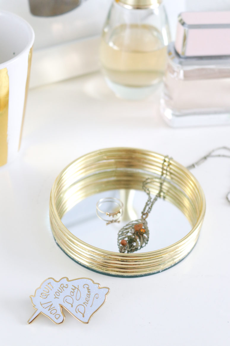 DIY mirrored trinket tray (via clubcrafted.com)