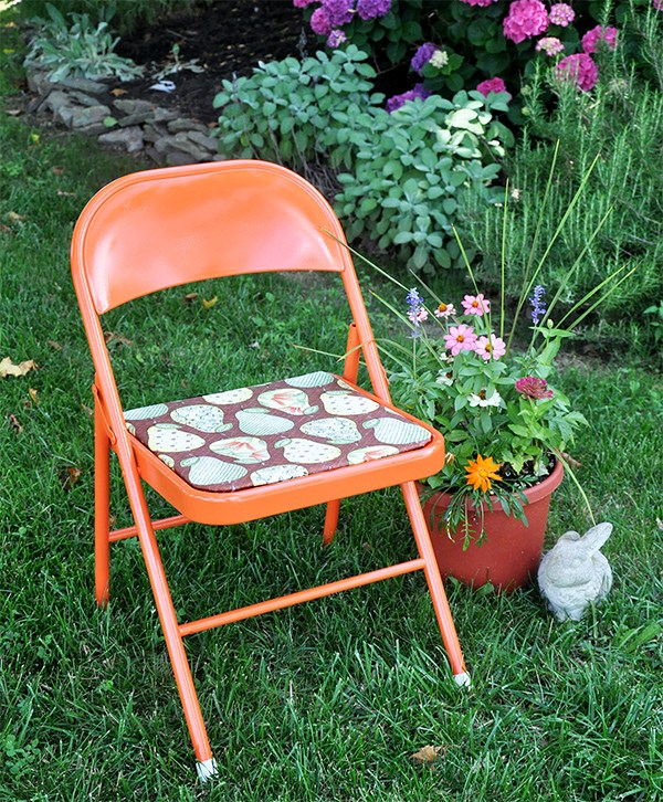 DIY Metal Chair Renovation In A Bold Color (via Https:)