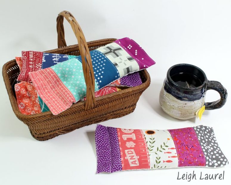 colorful DIY eye pillows with no scent (via www.leighlaurelstudios.com)