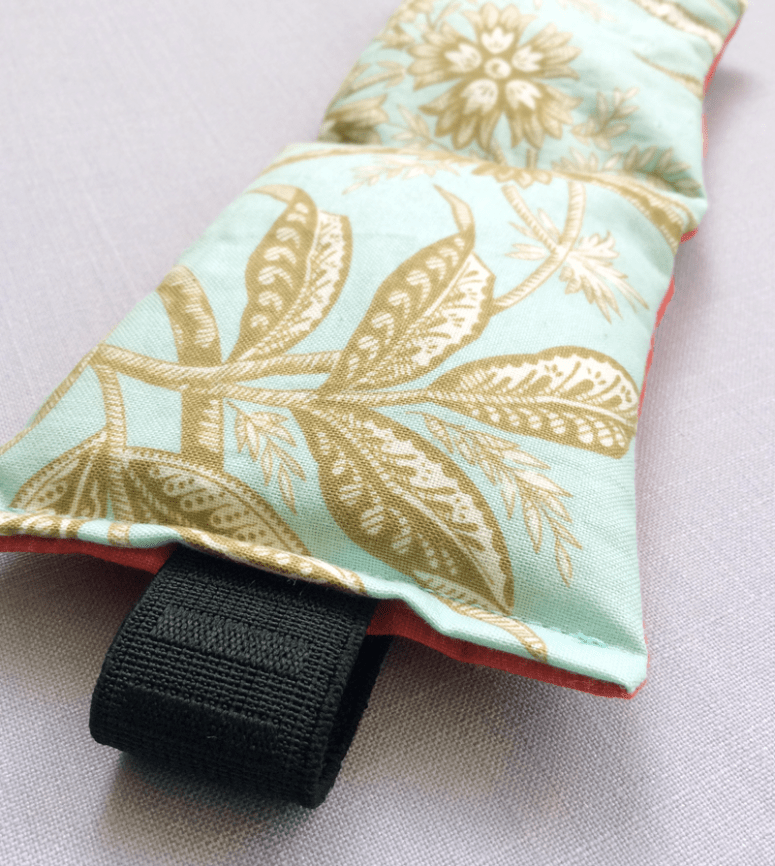 DIY aromatherapy eye pillow (via www.design-fixation.com)