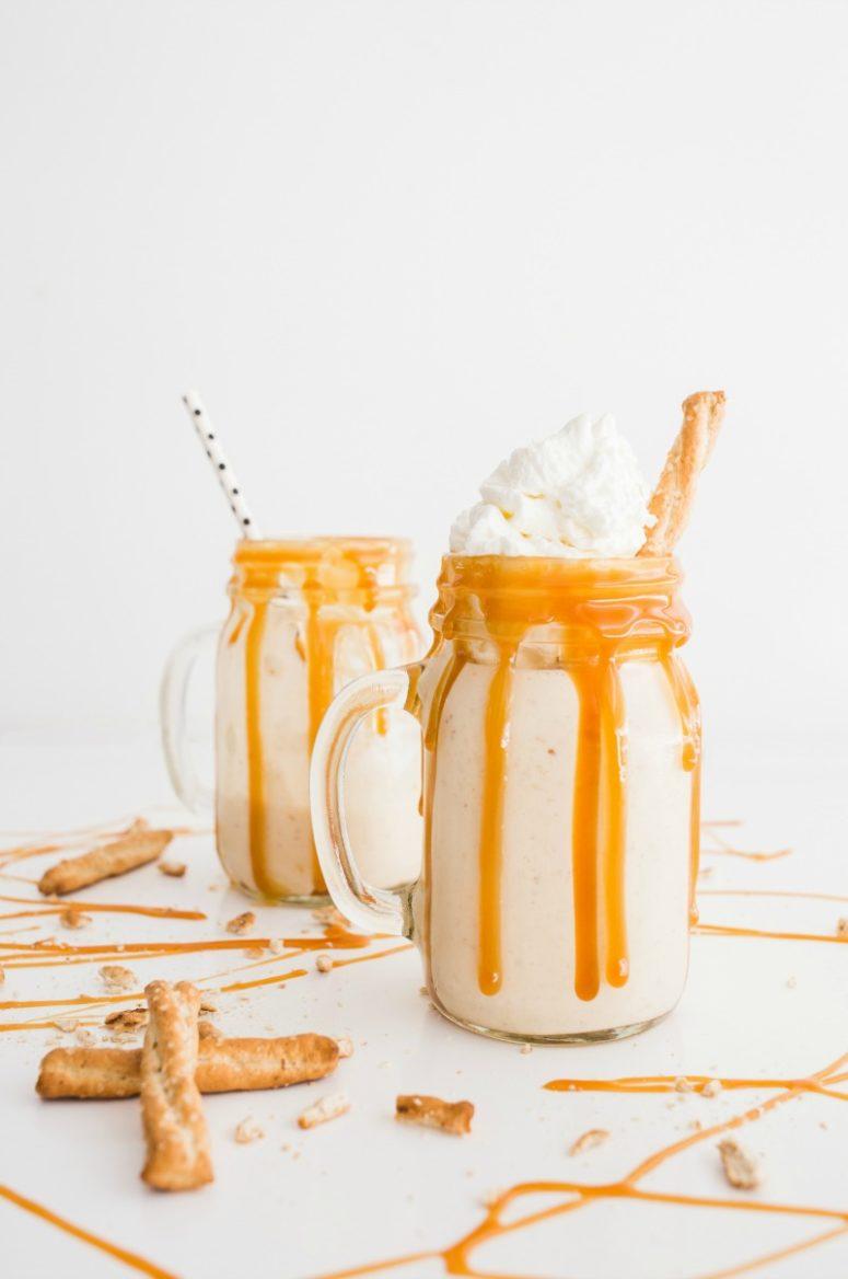 DIY salted caramel pretzel milkshake (via thebakermama.com)