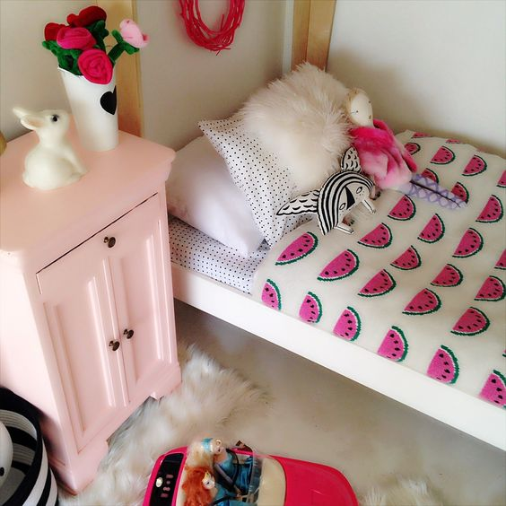 a watermelon blanket for a girl's room is a nice solution