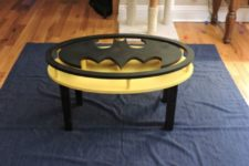 17 Batman coffee table looks amazing, it's a perfect piece for a man's cave