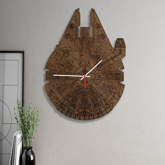 Star Wars inspired wall clock looks really wow