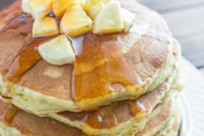 DIY healthy banana pancakes