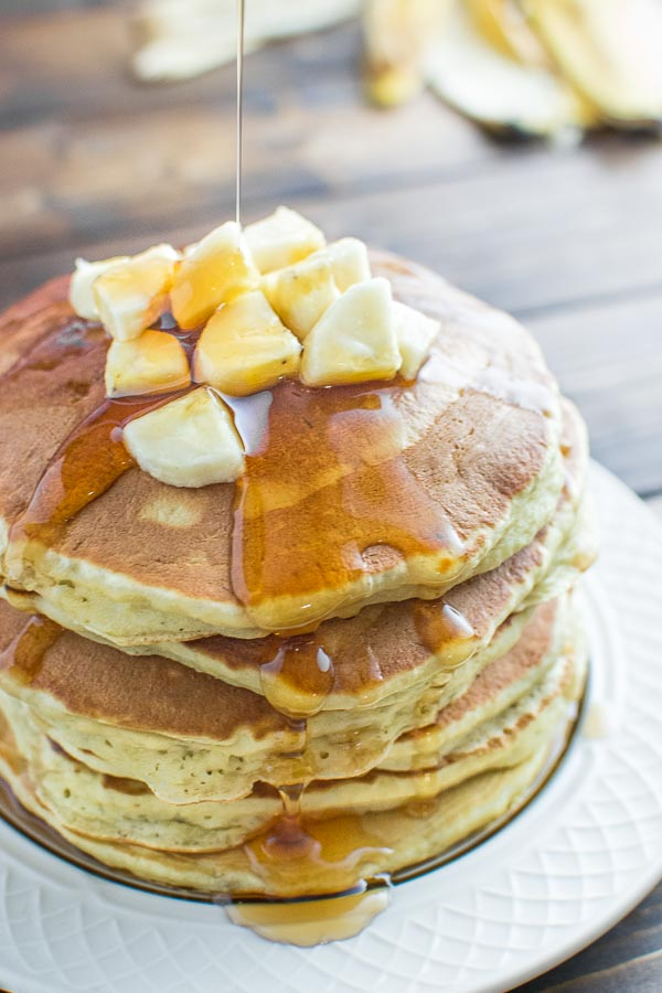 DIY healthy banana pancakes (via cooktoria.com)