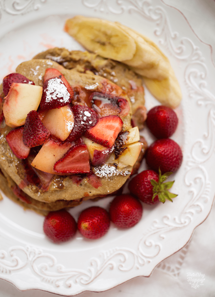 DIY strawberry peach walnut oatmeal pancakes (via kblog.lunchboxbunch.com)