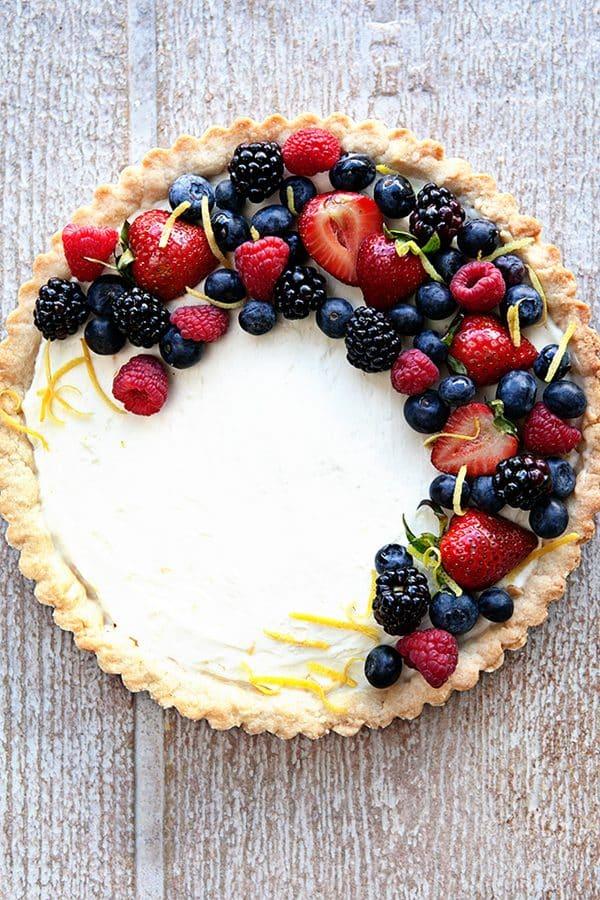 DIY lemon berry mascarpone tart (via www.mybakingaddiction.com)