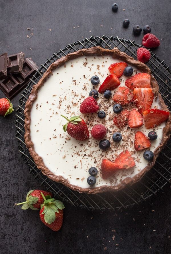 DIY chocolate vanilla berry panna cotta tart (via https:)