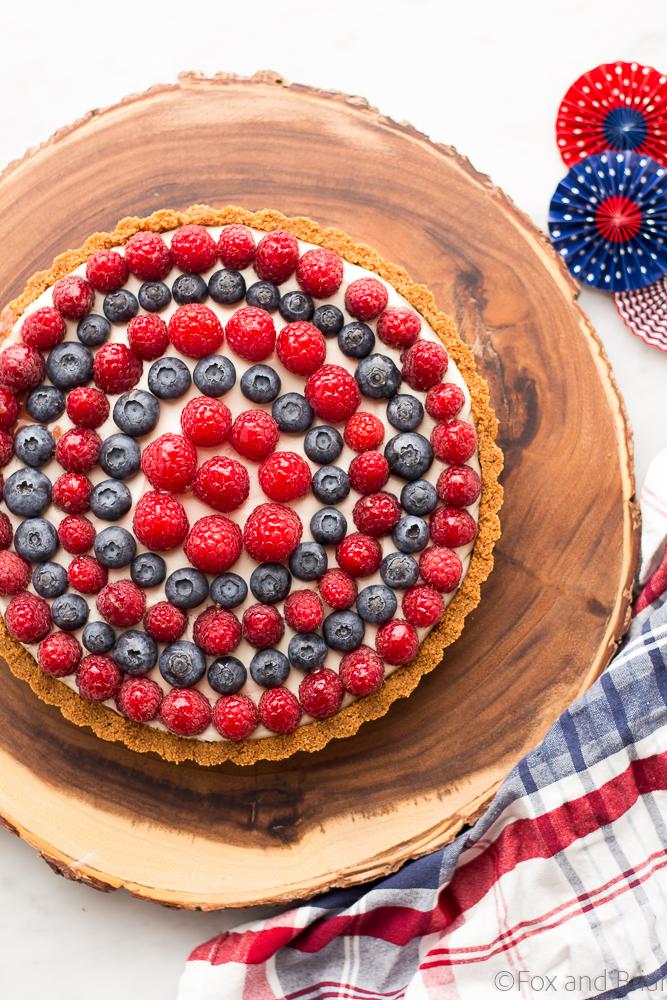 DIY red, white and blue berry tart for 4th of July (via www.foxandbriar.com)