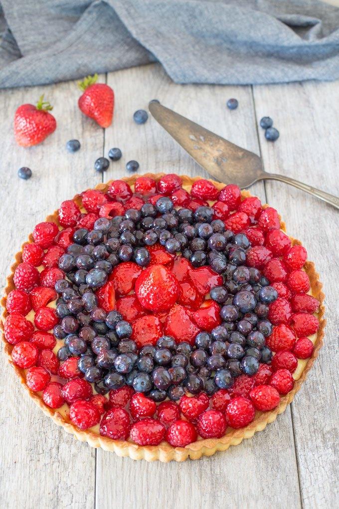 DIY triple berry tart (via www.muttandchops.com)