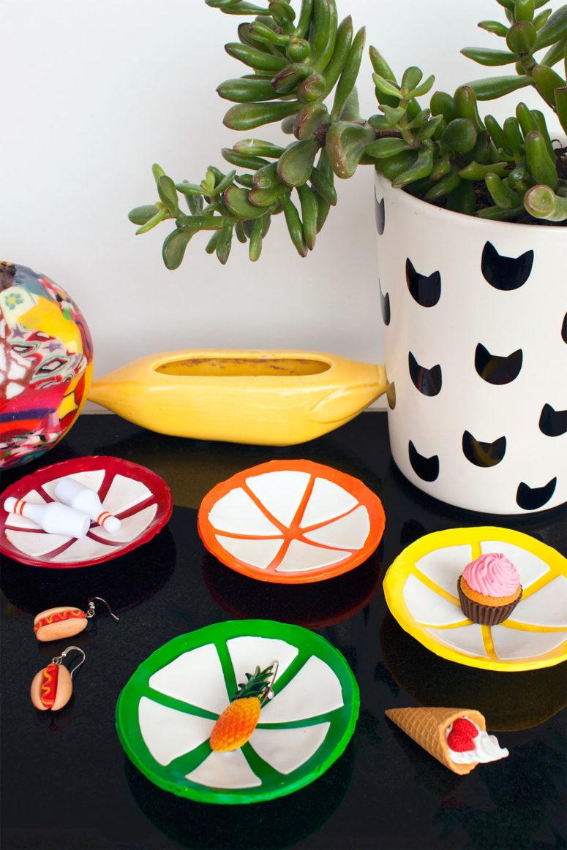 DIY citrus slice trinket dish (via www.paintthegownred.com)