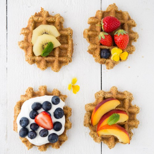DIY Belgian waffles with fruit and yogurt (via https:)