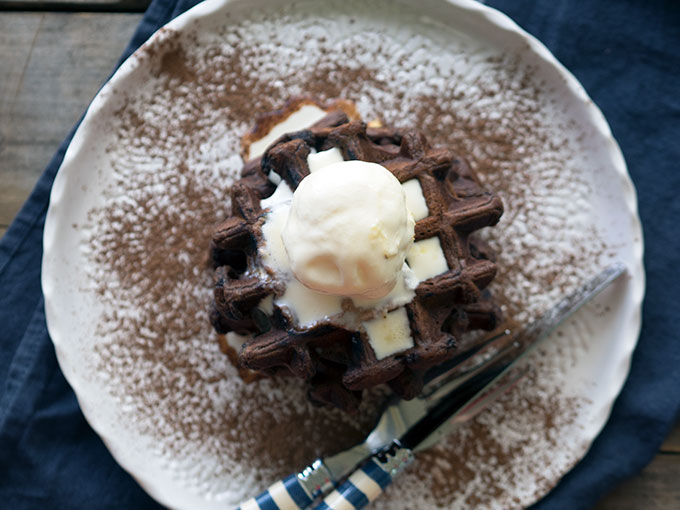 DIY triple chocolate waffles (via https:)