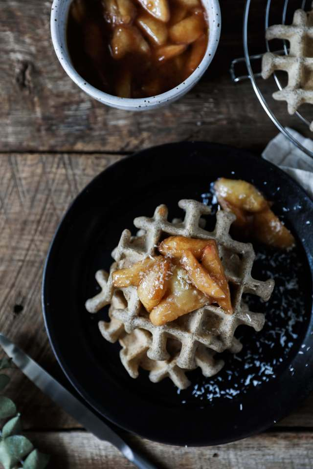 DIY buckwheat waffles with caramelized peaches (via jessiskitchen.com)