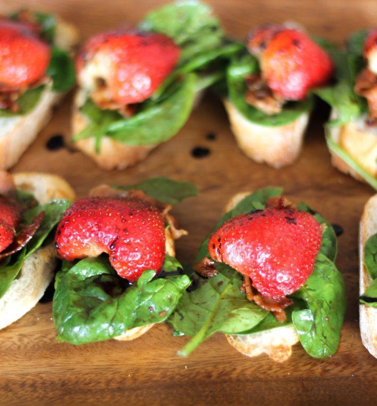 DIY spinach bacon strawberry crostini (via https:)