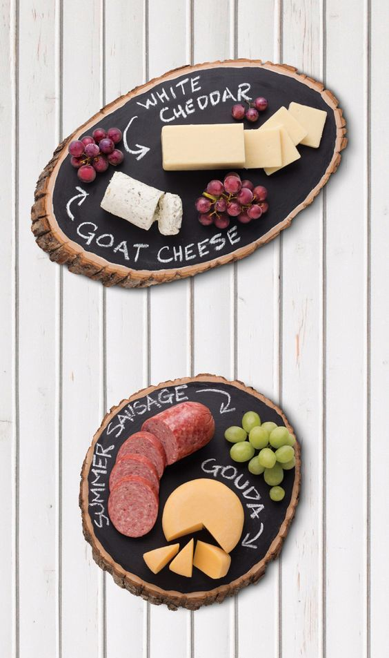 wood slices covered with chalkboard paint will allow you to specify any kind of food you are serving
