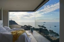 09 two glazed walls are enough for enjoying the sea views, you'll never want to leave this space