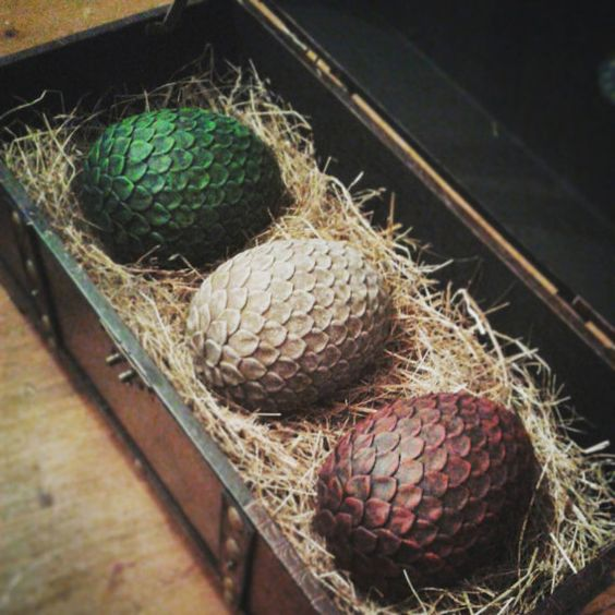 a full set of dragon eggs in a box will be a great home decoration