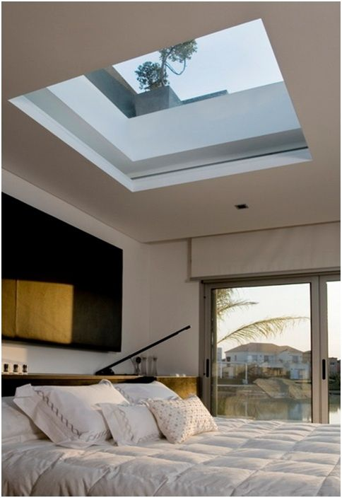 a large square skylight to enjoy the sky and stars before falling asleep