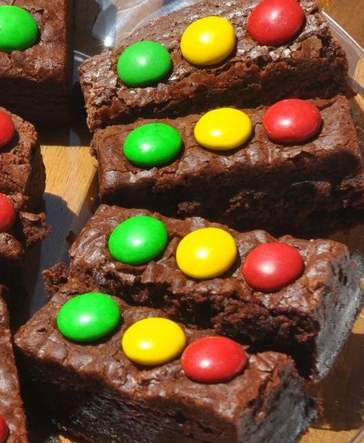 stoplight brownies for a themed dessert table
