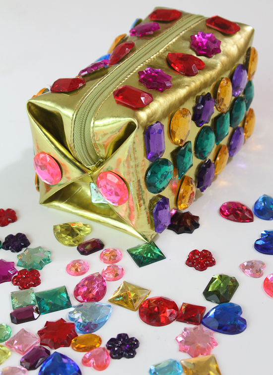 DIY gemstone makeup bag (via paperyandcakery.com)