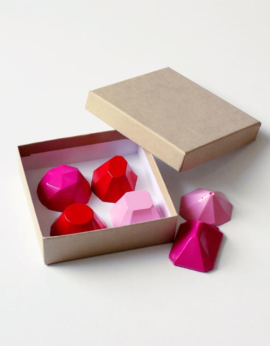 DIY concrete gemstone magnets (via www.athomeinlove.com)