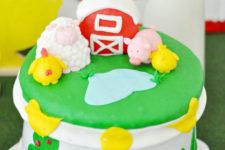 DIY fun farm animal party cake