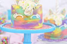 DIY colorful unicorn mini cake