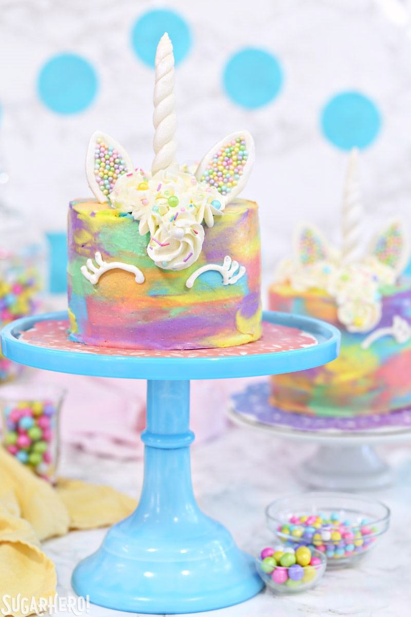 DIY colorful unicorn mini cake