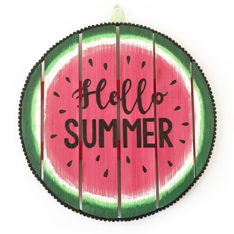 DIY watermelon sign (via www.bugaboocity.com)