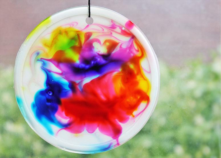 DIY colorful cosmic suncatchers (via babbledabbledo.com)