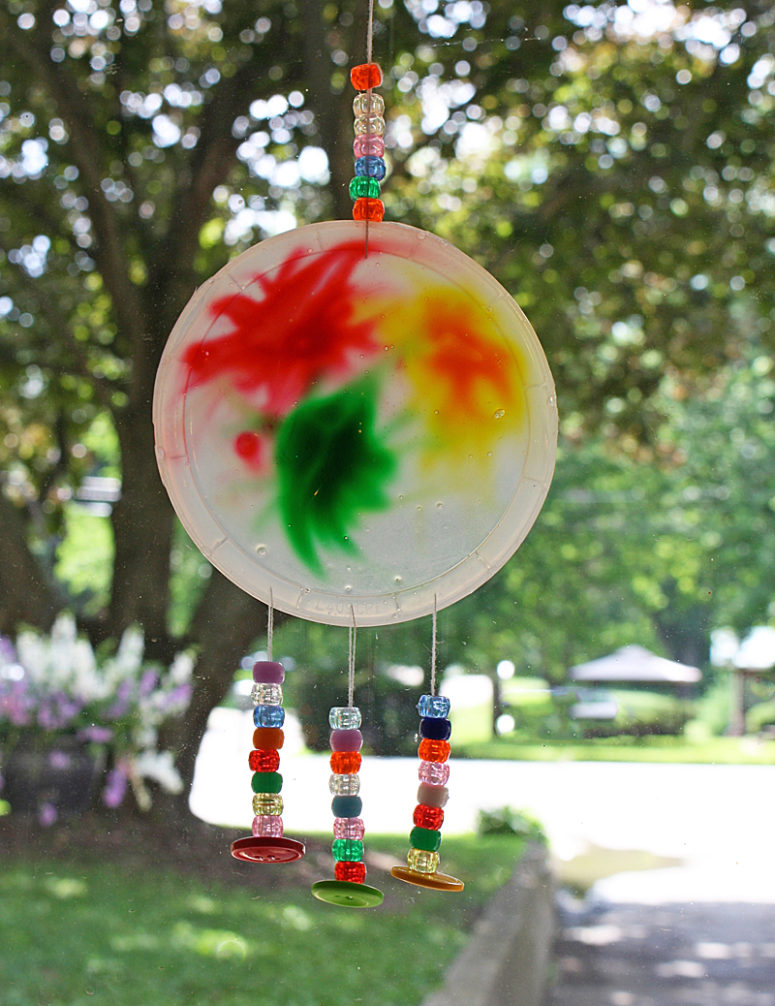 DIY colorful glue suncatcher with wind chimes (via www.kixcereal.com)